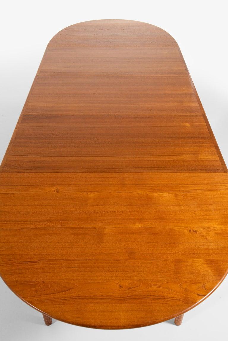 Hans Wegner Large Dining Table Model JH-567 by Johannes Hansen in Denmark For Sale 6