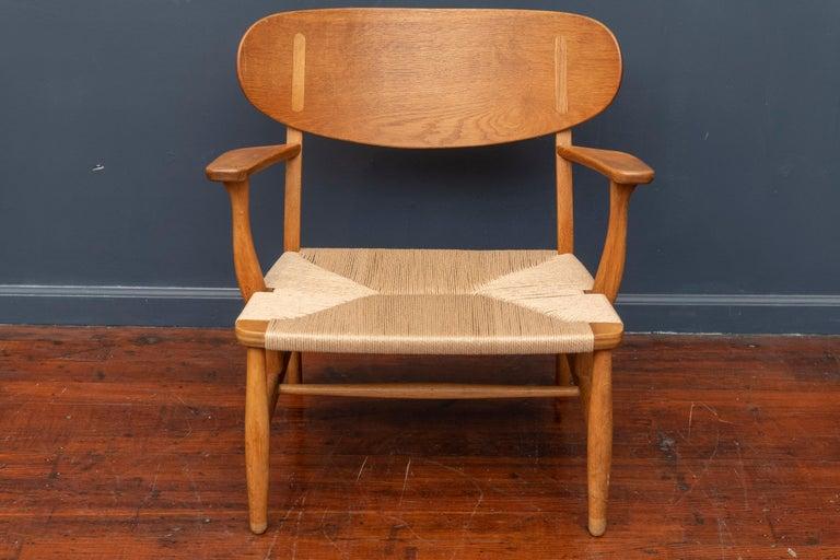 Hans Wegner Lounge Chair CH 22 For Sale 4