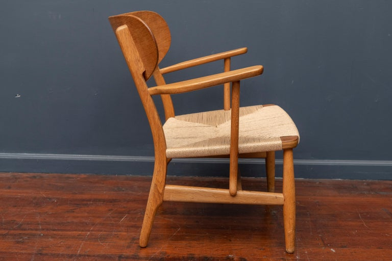 Scandinavian Modern Hans Wegner Lounge Chair CH 22 For Sale