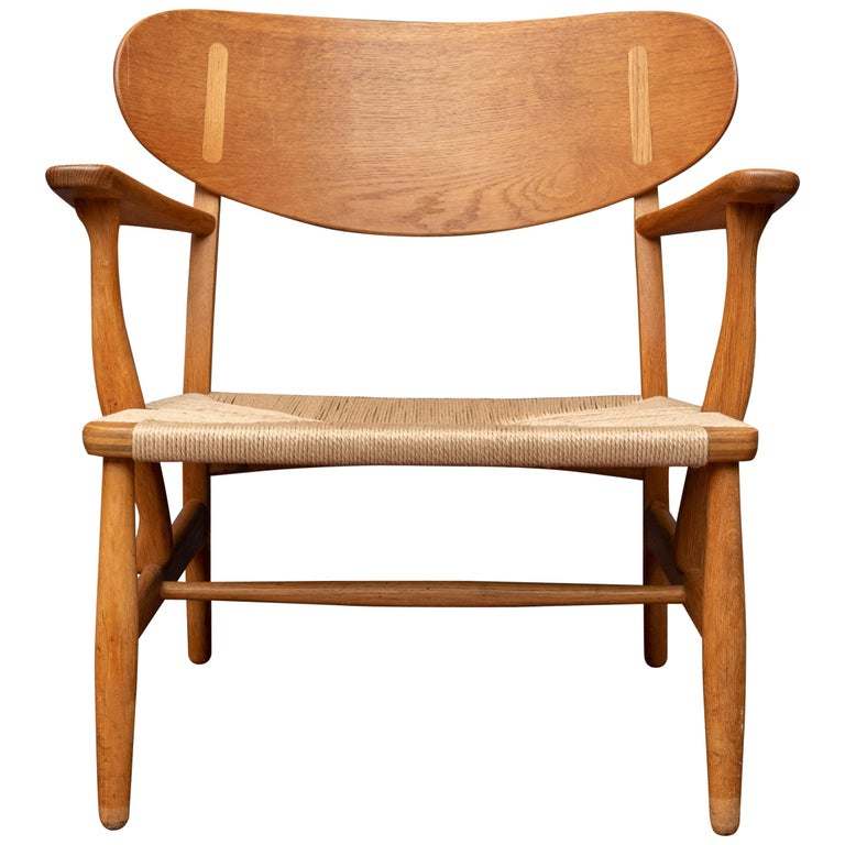 Hans Wegner Lounge Chair CH 22 For Sale