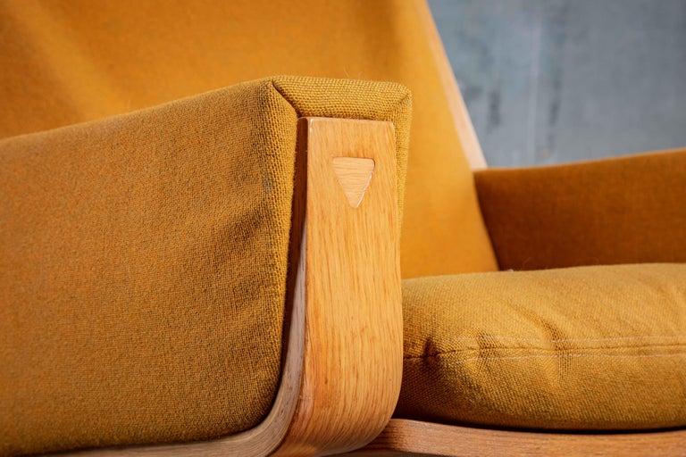 Fabric Hans Wegner Lounge Chair For Sale