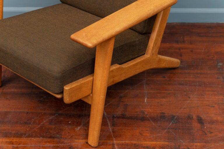 Scandinavian Modern Hans Wegner Lounge Chair GE 290 For Sale