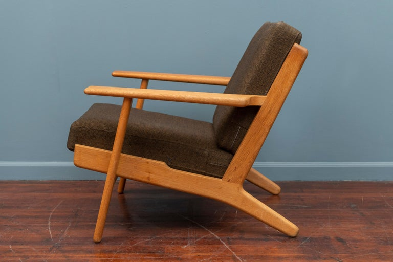 Hans Wegner Lounge Chair GE 290 In Good Condition For Sale In San Francisco, CA