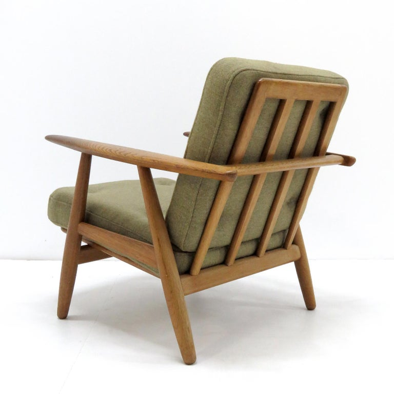 Hans Wegner Lounge Chairs, Model GE-240 In Good Condition For Sale In Los Angeles, CA