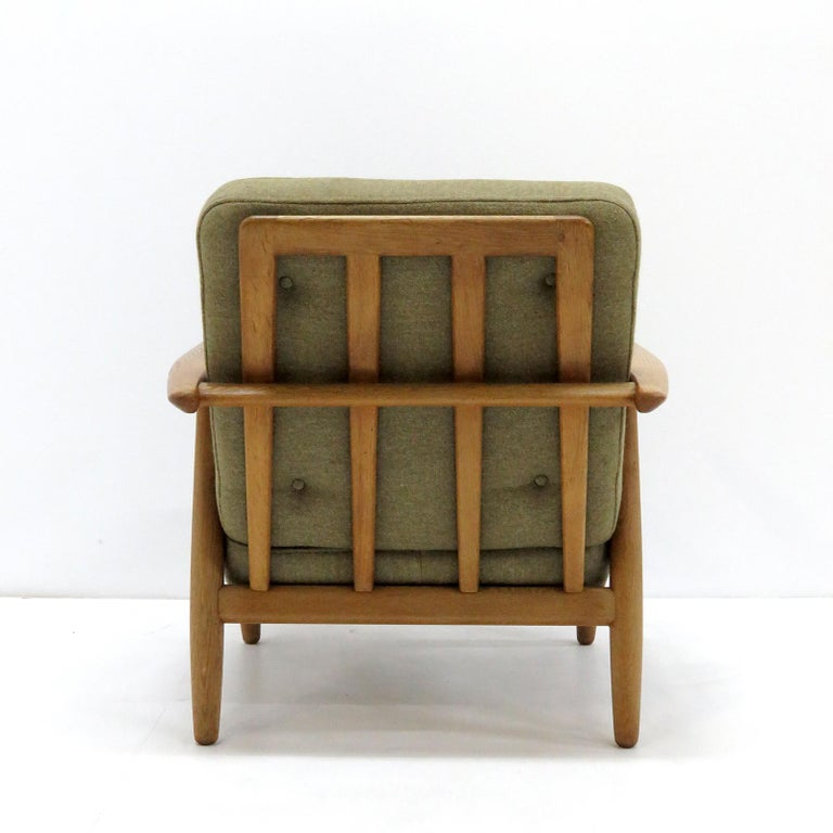 Mid-20th Century Hans Wegner Lounge Chairs, Model GE-240 For Sale