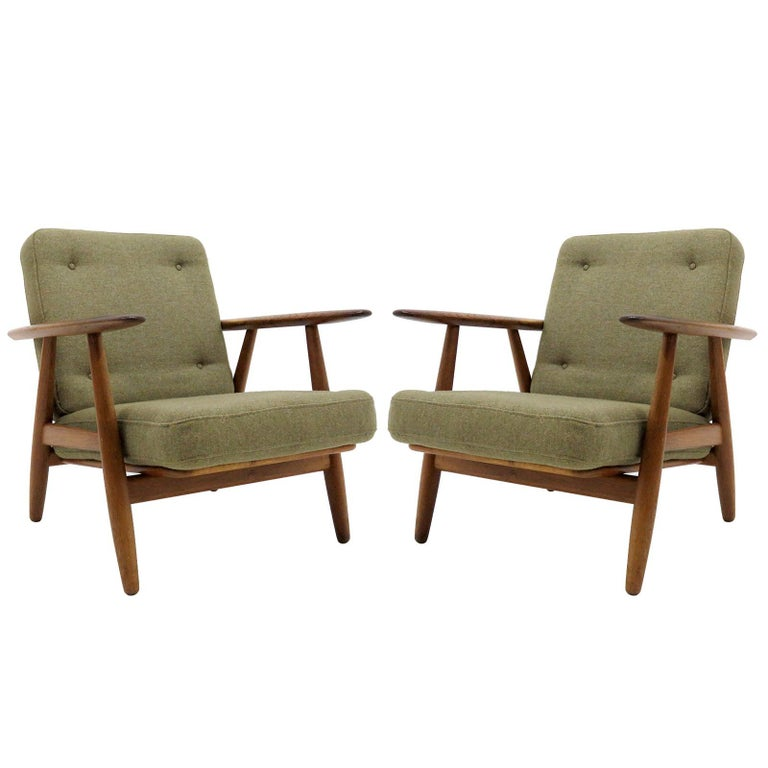 Hans Wegner Lounge Chairs, Model GE-240 For Sale