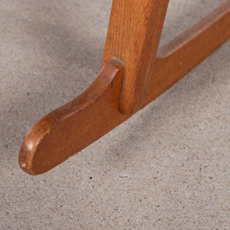 Hans Wegner ML33 Rocking Chair in Teak for Mikael Laursen, Denmark For Sale 5