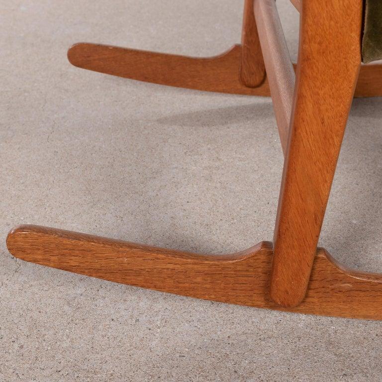 Hans Wegner ML33 Rocking Chair in Teak for Mikael Laursen, Denmark For Sale 14