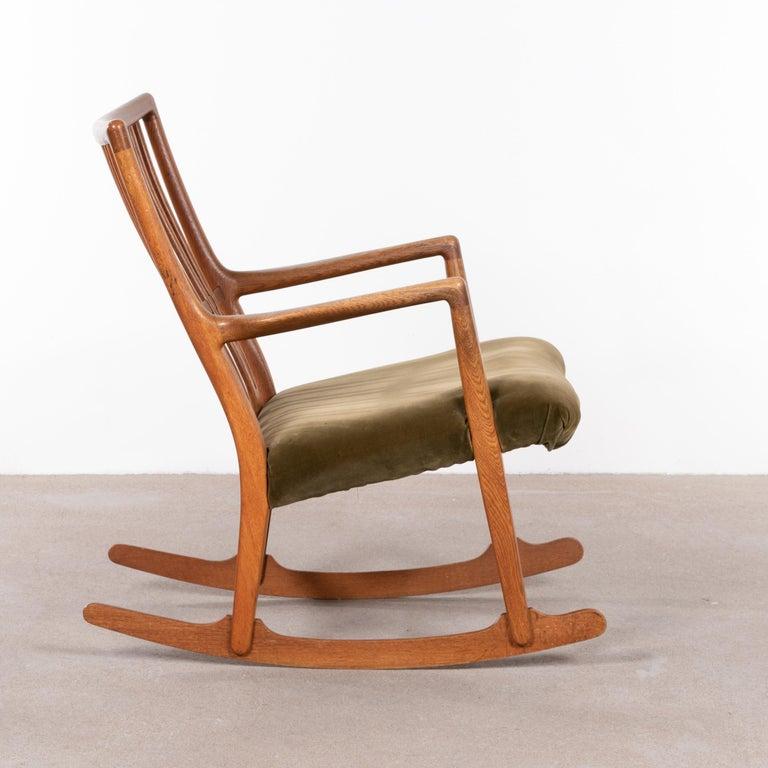 Hans Wegner ML33 Rocking Chair in Teak for Mikael Laursen, Denmark For Sale 1