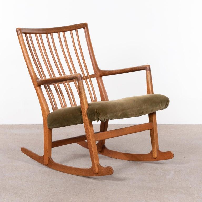Hans Wegner ML33 Rocking Chair in Teak for Mikael Laursen, Denmark For Sale 2