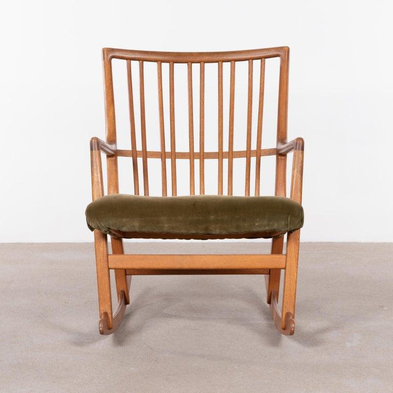 Hans Wegner ML33 Rocking Chair in Teak for Mikael Laursen, Denmark For Sale 3