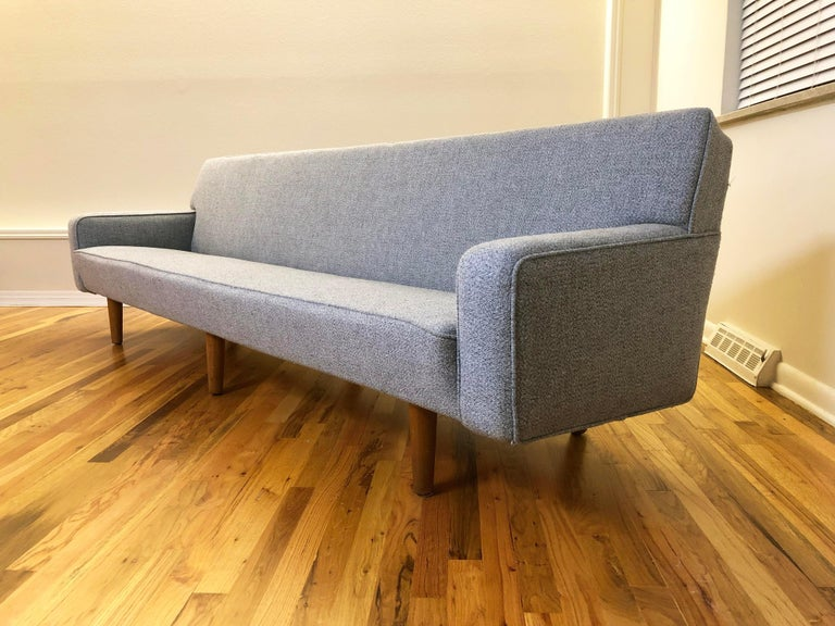 Hans Wegner Model AP 33 Sofa for Anker Petersen Stolen For Sale 3