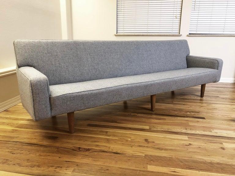 Hans Wegner Model AP 33 Sofa for Anker Petersen Stolen For Sale 1