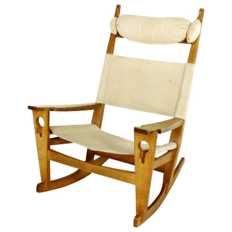 Hans Wegner Oak Keyhole Rocking Chair for GETAMA, Denmark For Sale