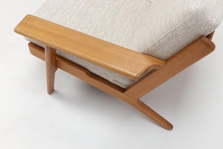 Hans Wegner Oak Lounge Chair GE290 by GETAMA '1 of 3 Chairs' 3