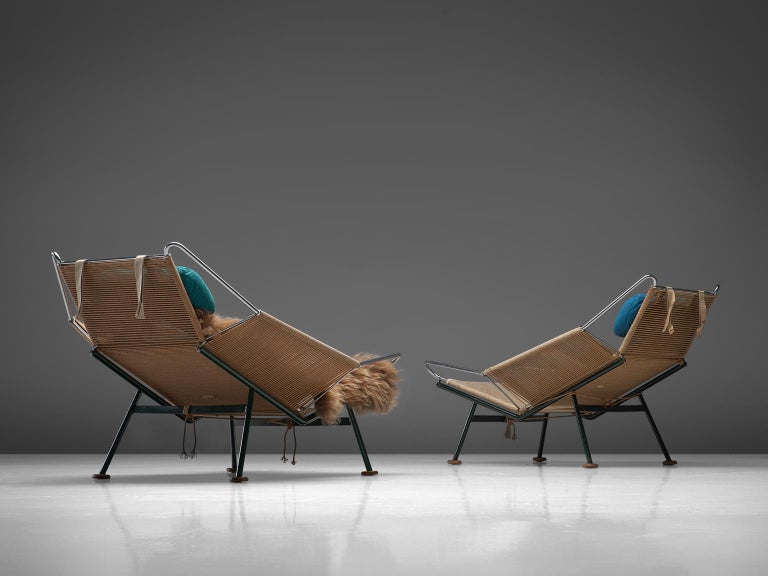 Scandinavian Modern Hans Wegner Pair of Early Flag Halyard Chairs For Sale