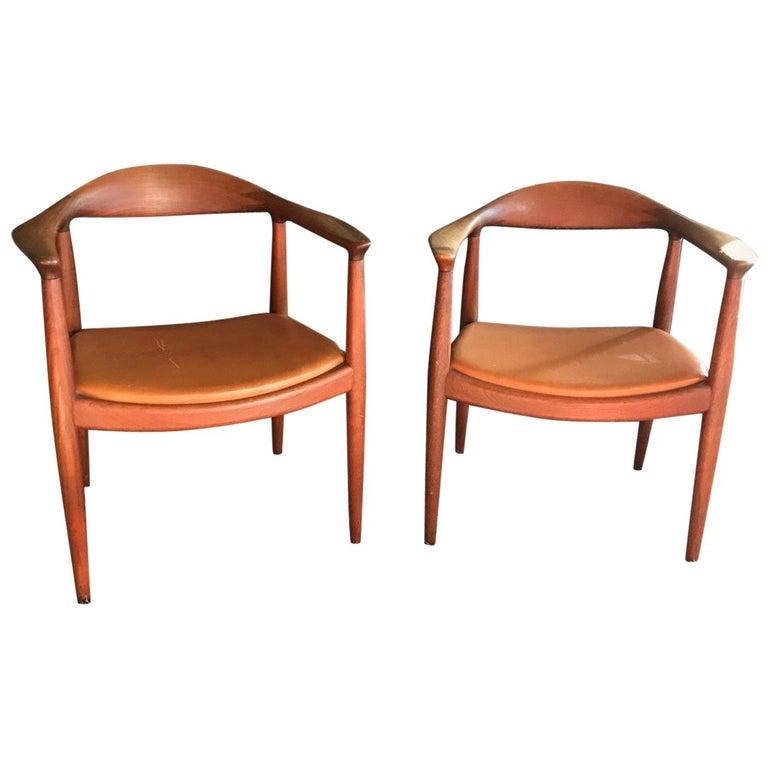 Hans Wegner Pair Of Original Round Chairs For Sale At 1stdibs