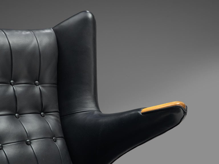 Hans Wegner Papa Bear Chair in Black Leather In Good Condition In Waalwijk, NL