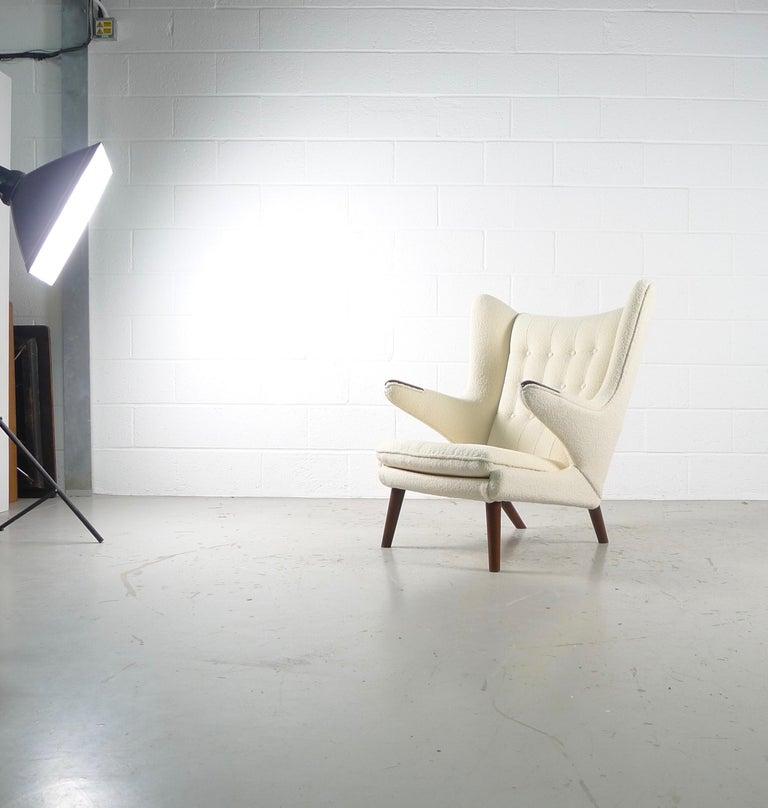 Hans Wegner Papa Bear Chair in white Boucle, 1951, AP Stolen, Denmark For Sale 4