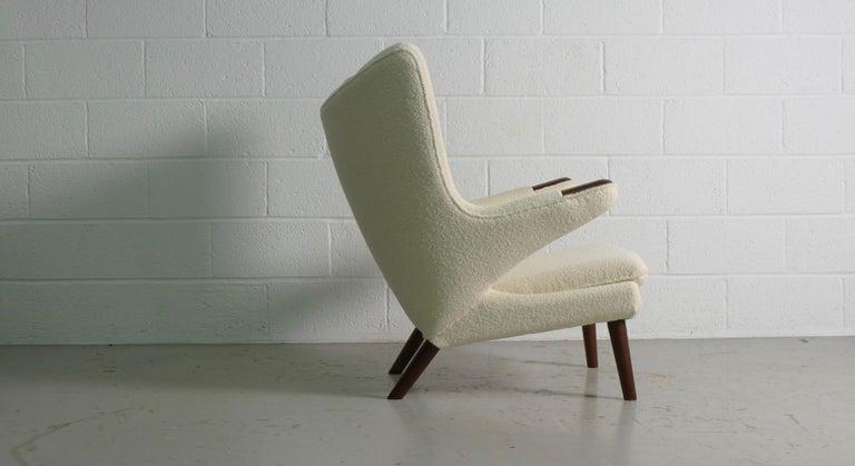 Mid-Century Modern Hans Wegner Papa Bear Chair in white Boucle, 1951, AP Stolen, Denmark For Sale