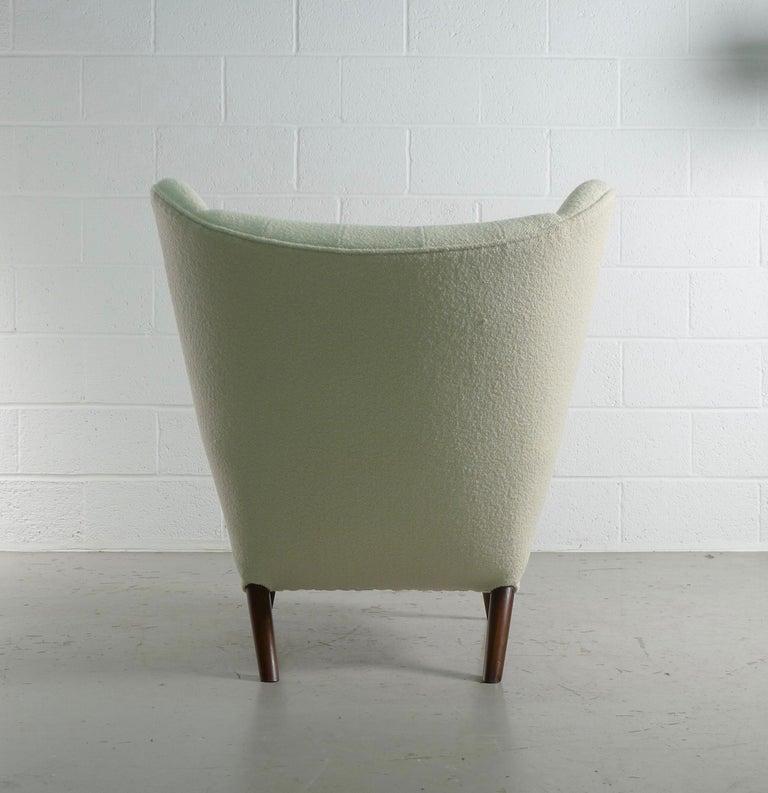 Hans Wegner Papa Bear Chair in white Boucle, 1951, AP Stolen, Denmark For Sale 1