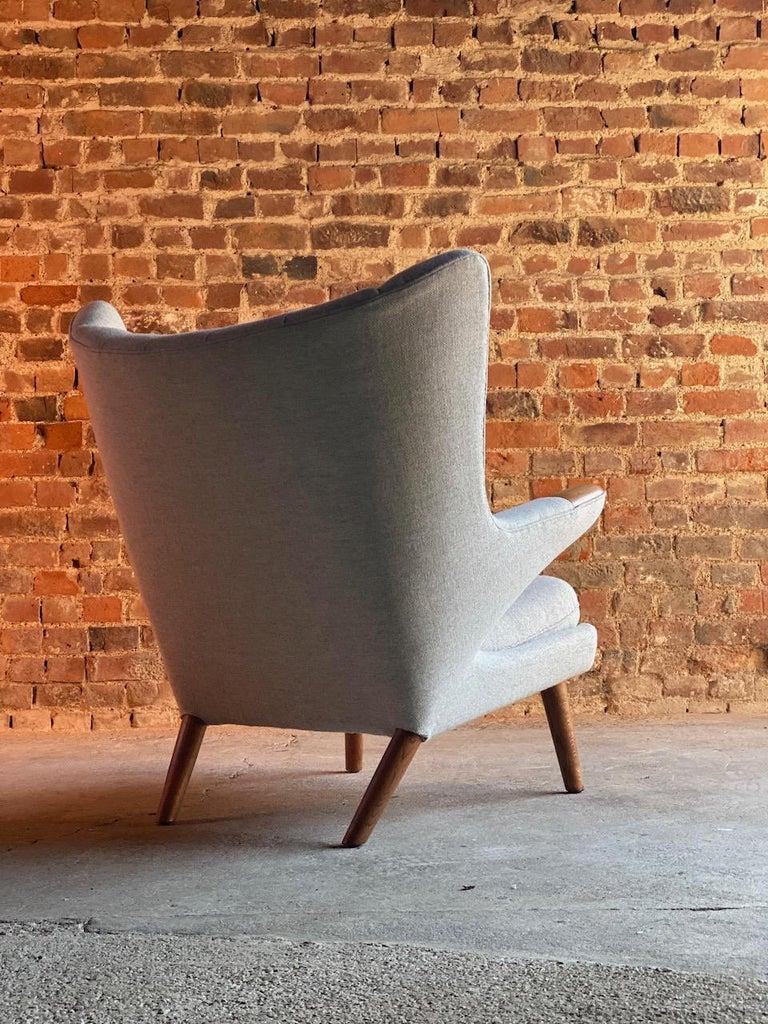 Hans Wegner Papa Bear Lounge Chair Bamsestol Model AP19, Denmark, 1959 For Sale 1