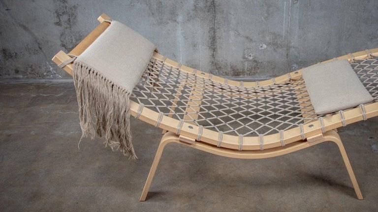 Hans Wegner PP135 Model Hammock Lounge Chair In Fair Condition In Los Angeles, CA