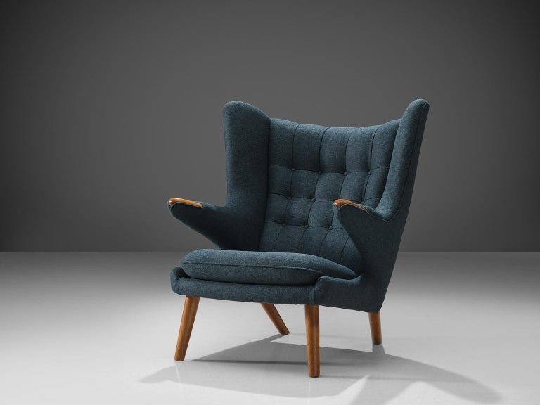 Hans Wegner Reupholstered Papa Bear Chair with Ottoman In Good Condition For Sale In Waalwijk, NL