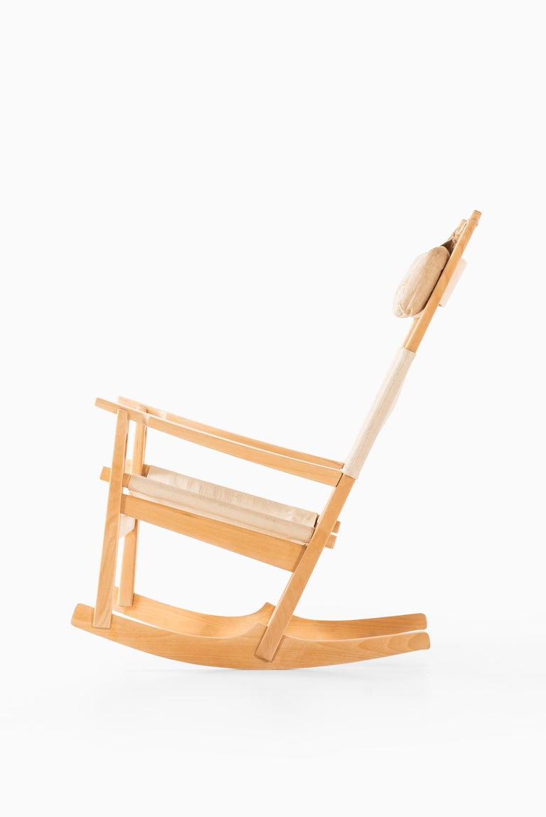 Canvas Hans Wegner Rocking Chair Model GE-273 Produced by GETAMA in Denmark For Sale