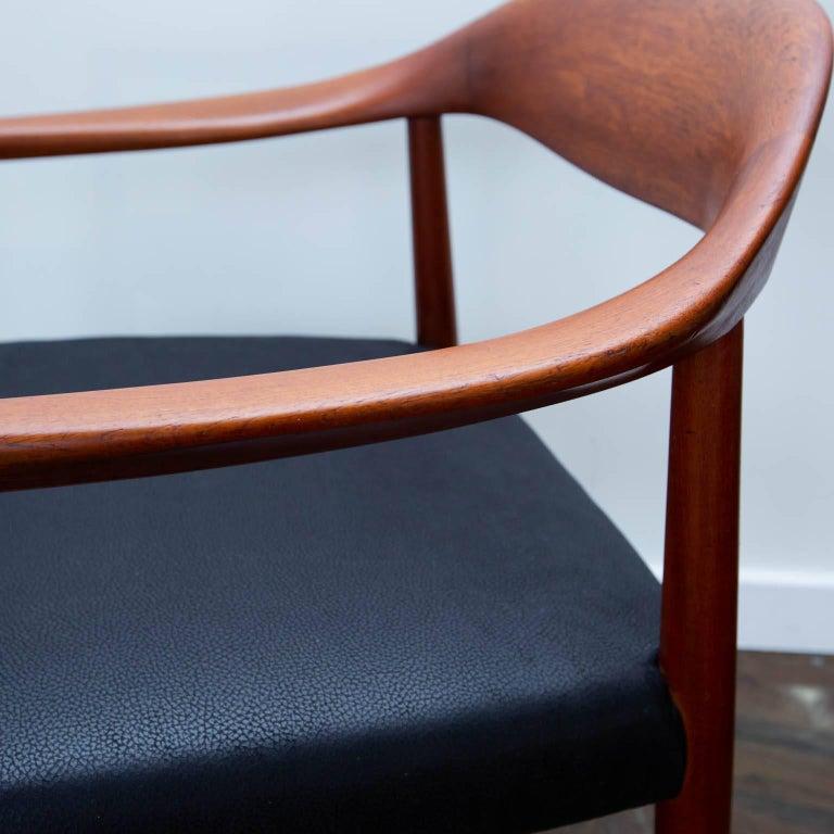 20th Century Hans Wegner Round Chair Style Teak Armchair For Sale