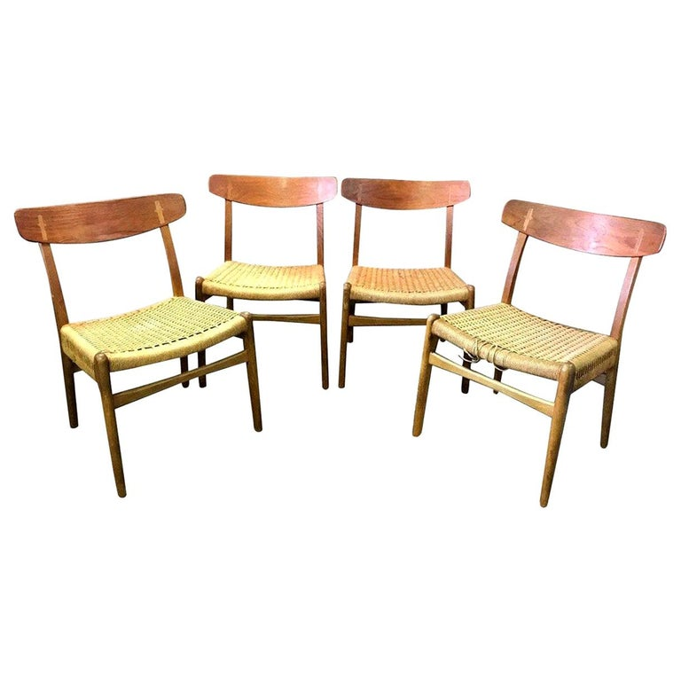 Hans Wegner Set of Four Mid-Century Modern Classic CH23 Dining Chairs For Sale