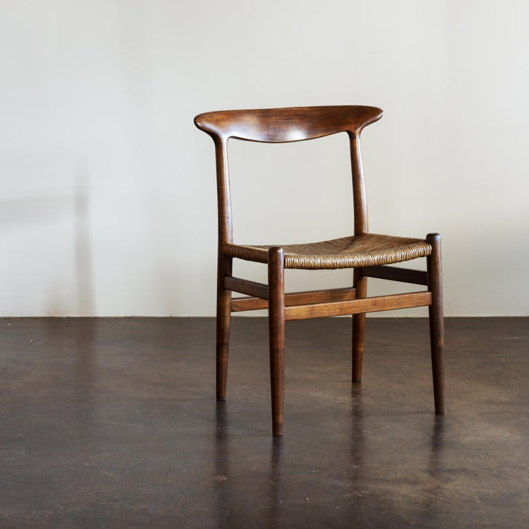 Papercord Hans Wegner Set of Four Model W2 Dining Chairs in Oak, Denmark, 1950s For Sale