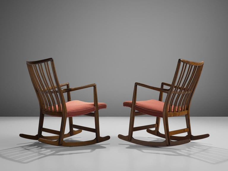 Scandinavian Modern Hans Wegner Set of Two Early 'ML-33' Rocking Chairs For Sale