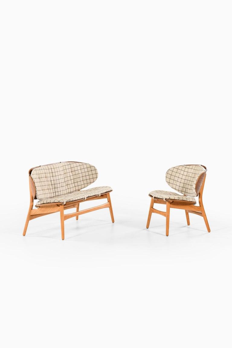 Hans Wegner Shell Easy Chair Model 1936 Produced by Fritz Hansen in Denmark For Sale 3