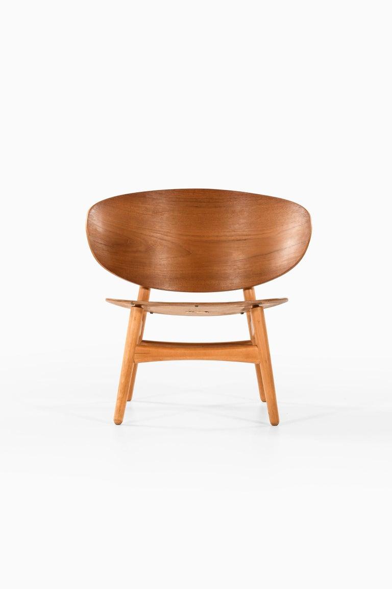 Scandinavian Modern Hans Wegner Shell Easy Chair Model 1936 Produced by Fritz Hansen in Denmark For Sale