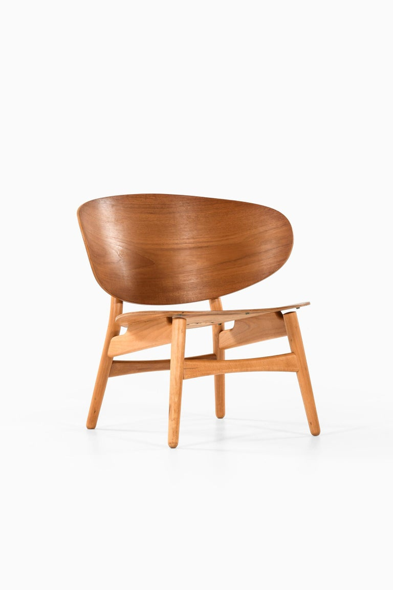 Hans Wegner Shell Easy Chair Model 1936 Produced by Fritz Hansen in Denmark In Good Condition For Sale In Malmo, SE