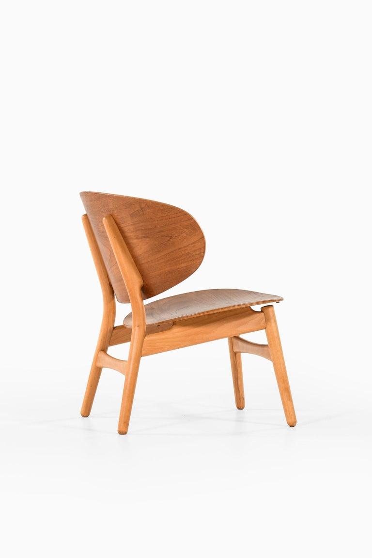 Mid-20th Century Hans Wegner Shell Easy Chair Model 1936 Produced by Fritz Hansen in Denmark For Sale