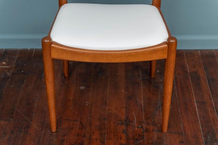 Scandinavian Modern Hans Wegner Side Chair for Johannes Hansen For Sale