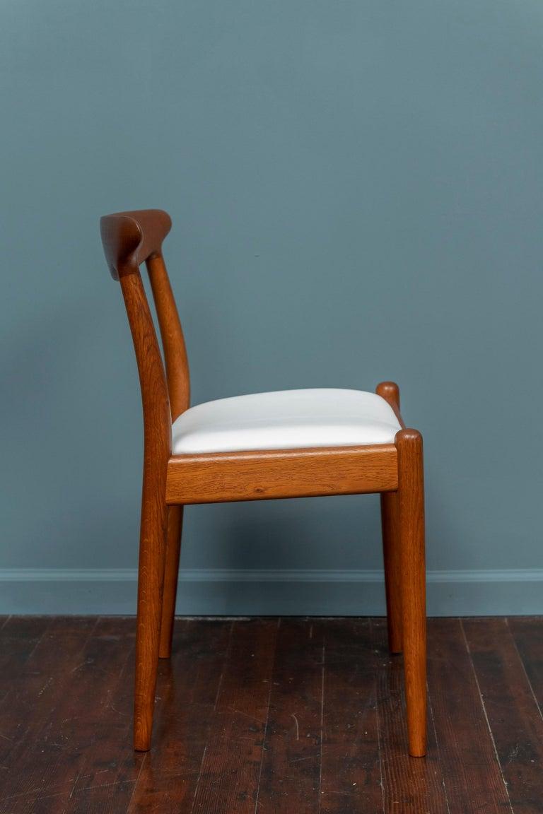 Mid-20th Century Hans Wegner Side Chair for Johannes Hansen For Sale