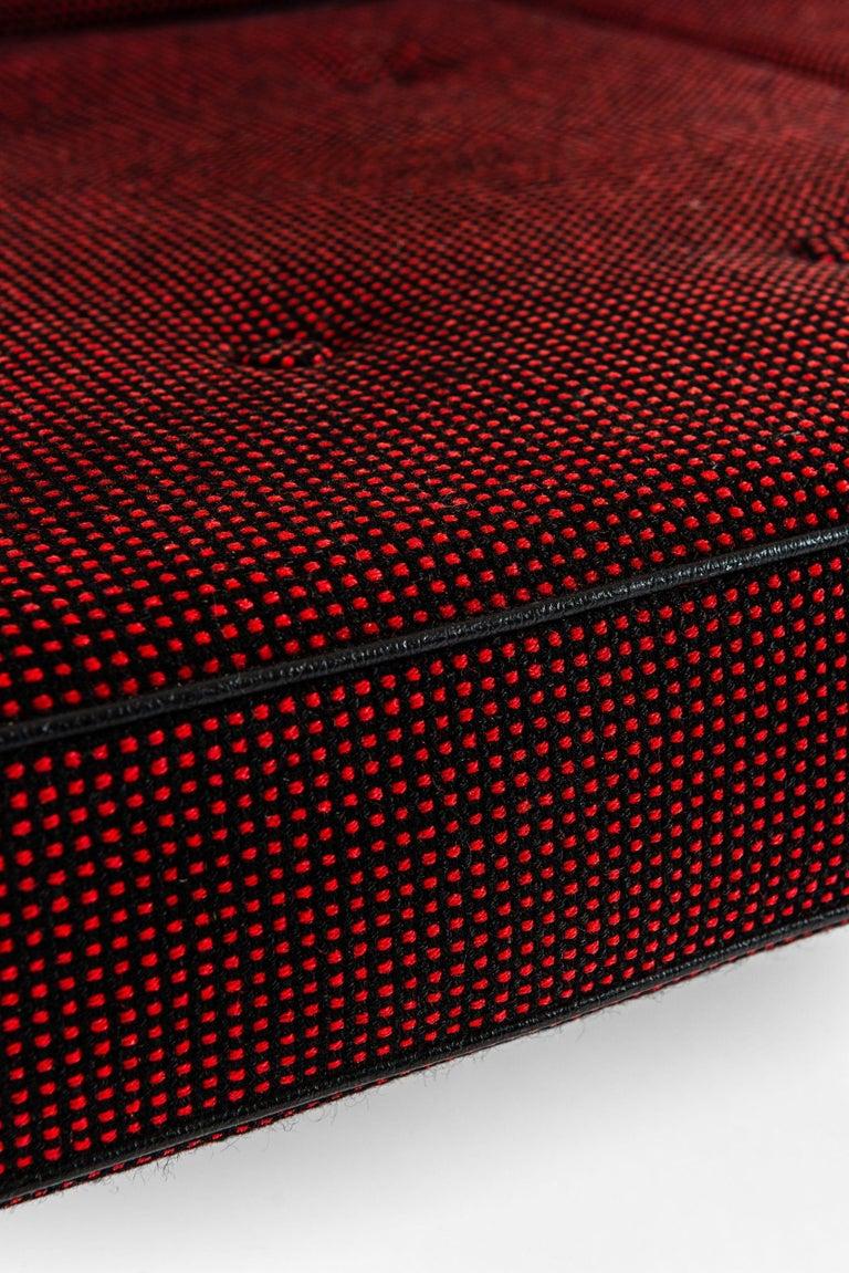 Sofa model GE-240 / cigar designed by Hans Wegner. Produced by GETAMA in Denmark.