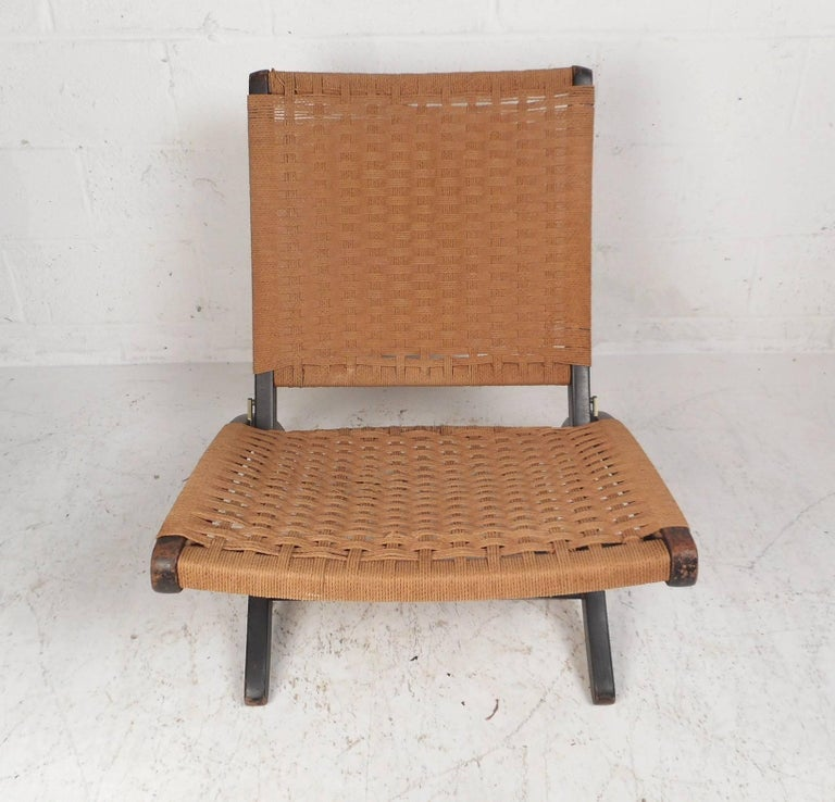 Mid-Century Modern  Folding Rope Lounge Chair For Sale
