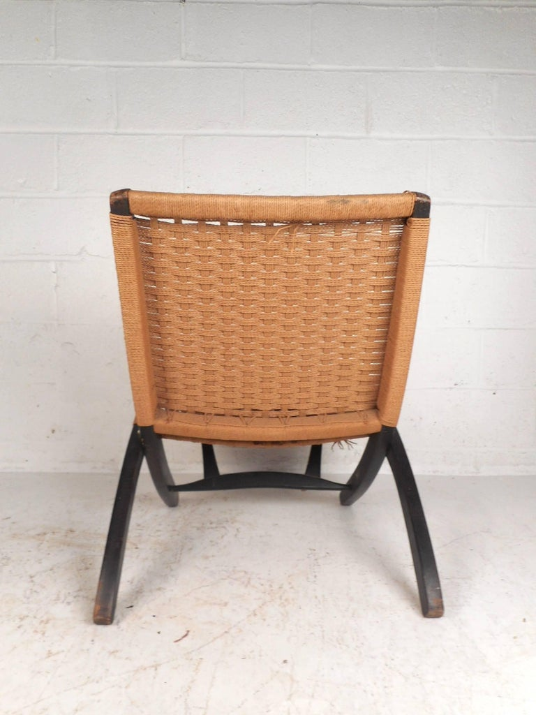 Late 20th Century  Folding Rope Lounge Chair For Sale