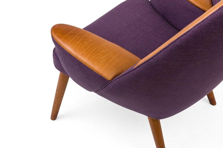 Hans Wegner Upholstered Peacock Easy Chair Model JH521, Denmark, 1953 In Good Condition For Sale In New York, NY