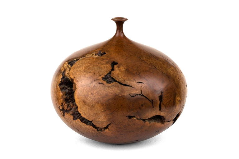 Hap Sakwa Turned Manzanita Wood Vessel, USA 1982 In Good Condition For Sale In New York, NY