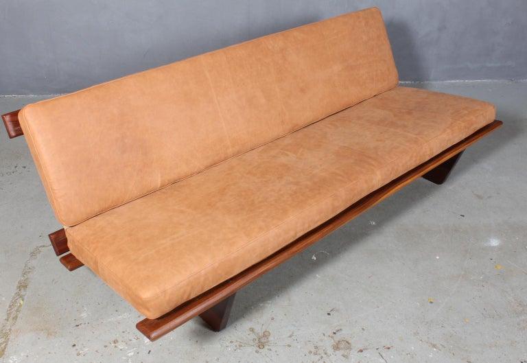 Harbo Sølvsten sofa / daybed with frame of solid teak.  New upholstered with dunes aniline leather from Arne Sørensen. New rubber webbing.  Model Tivoli DF-22.