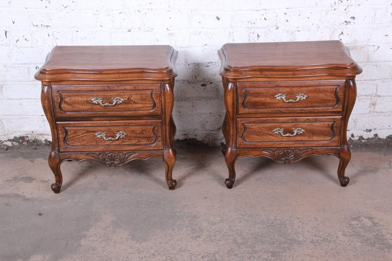 American Harden French Provincial Louis XV Walnut Nightstands, Pair For Sale