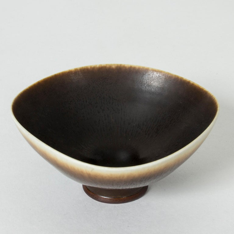Mid-20th Century Hare's Fur and Eggshell Glazed Swedish Brown Stoneware bowl by Berndt Friberg For Sale