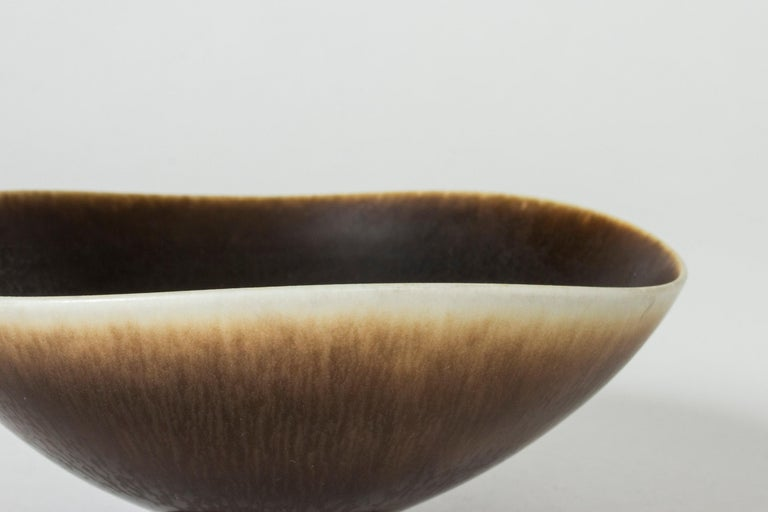 Hare's Fur and Eggshell Glazed Swedish Brown Stoneware bowl by Berndt Friberg For Sale 2