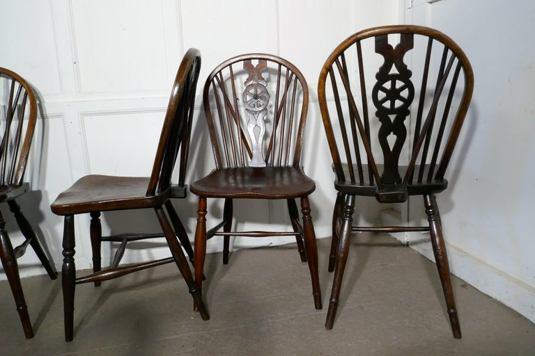 Harlequin Set of 10 Victorian Beech and Elm Wheel Back Windsor Dining Chairs 4