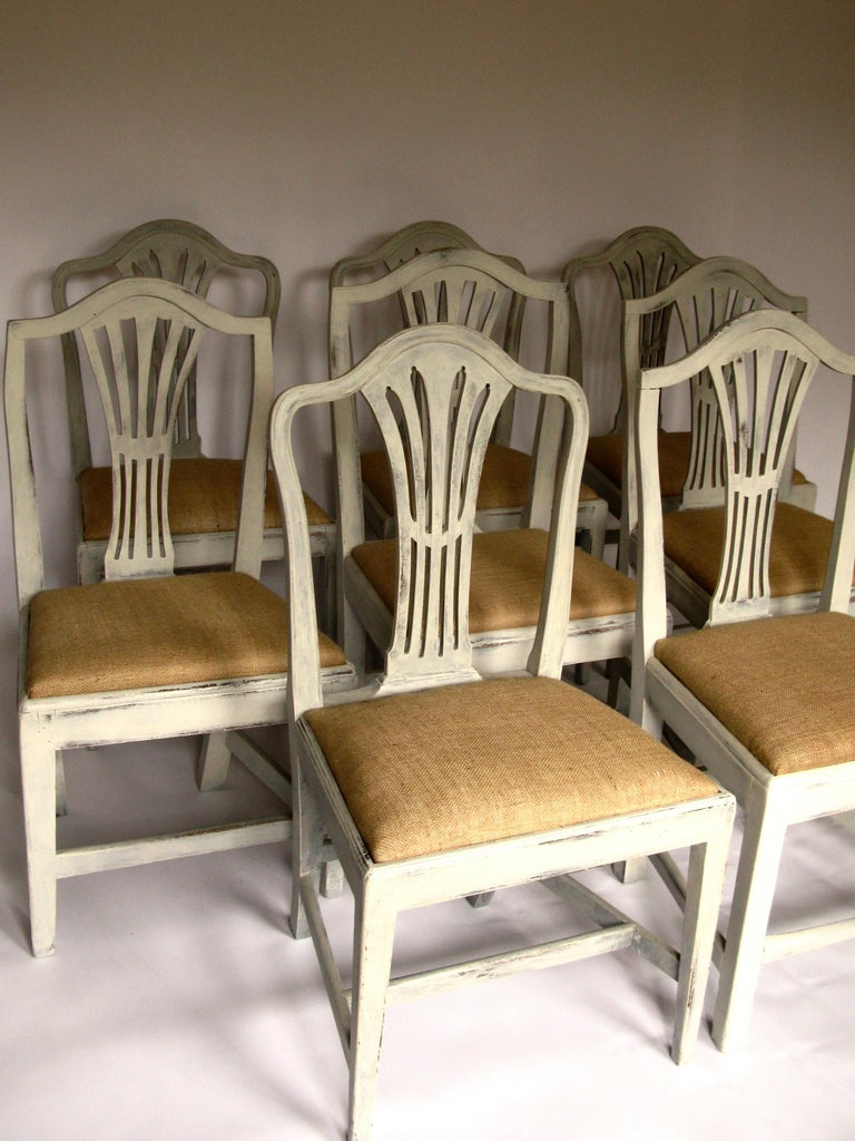 Lovely set of 8 Harlequin antique chairs, Hepplewhite period, early 19th century, with new restored seats with jute, origin United Kingdom These chairs are in perfect condition and look marvellous on dining or kitchen table. (Painted) Measures: